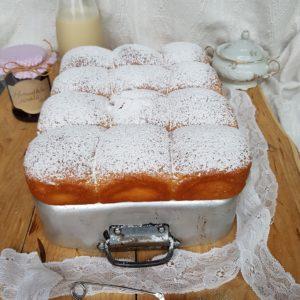 questa immagine rappresenta buchteln ricetta di pasticciandoconlafranca