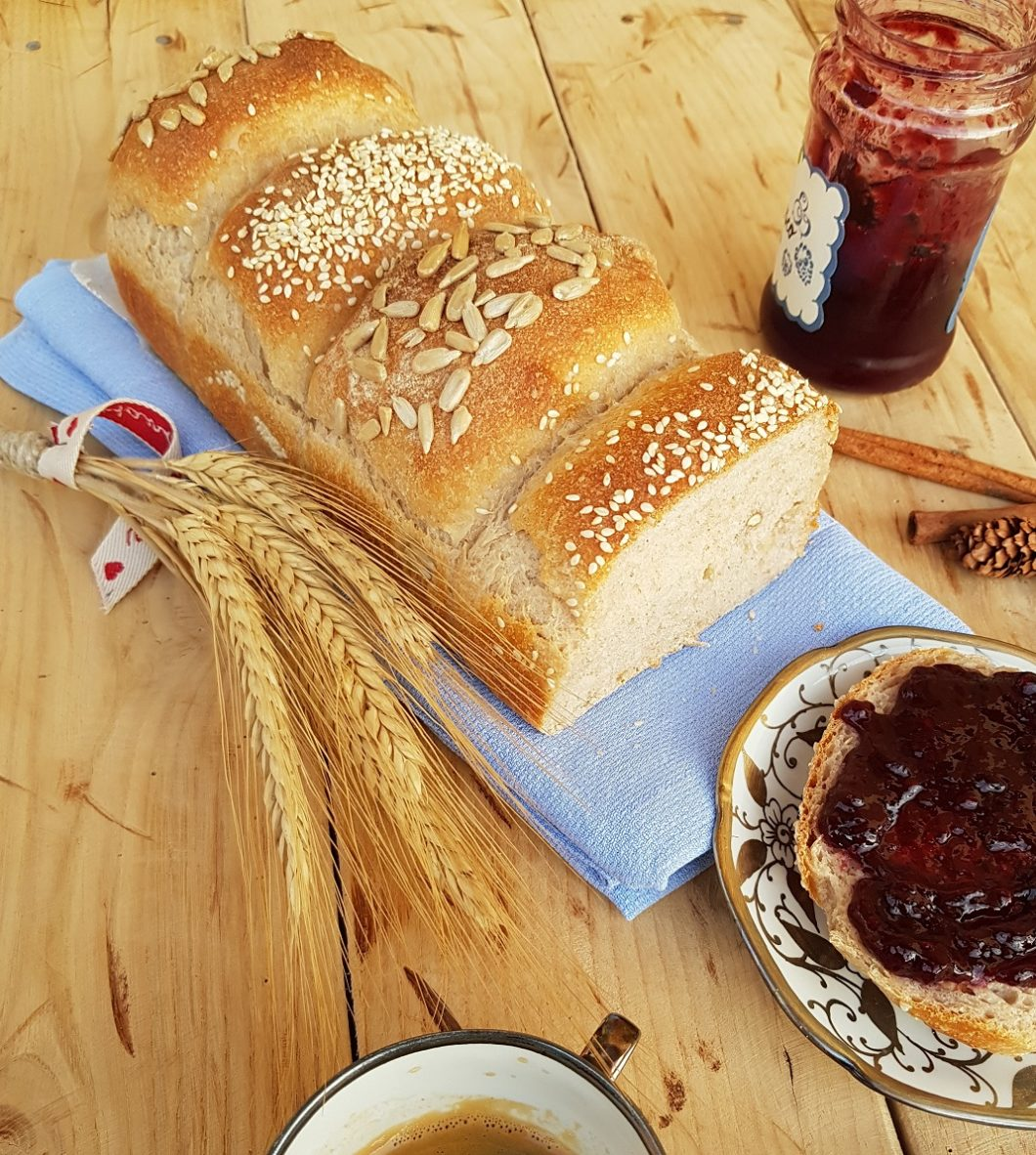 questa immagine rappresenta pan bauletto proteico ricetta di pasticcinadoconlafranca