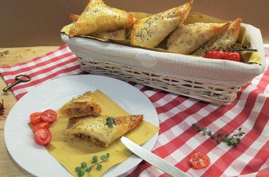questa immagine rappresenta samosa di verdure ricetta di pasticciandoconlafranca