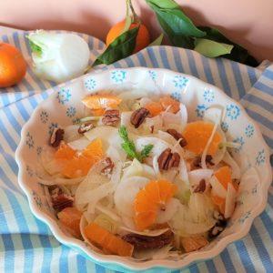 questa foto rappresenta l'insalata invernale di finocchi ricetta di pasticciandoconlafranca