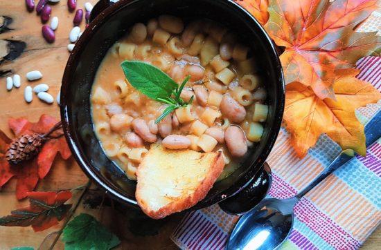 questa immagine rappresenta pasta e fagioli ricetta di pasticciandoconlafranca
