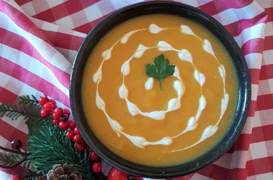 questa immagine rappresenta vellutata di zucca e lenticchie rosse ricetta di pasticciandoconlafranca