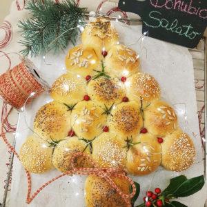 questa immagine rappresenta alberello di danubio salato ricetta di pasticciandoconlafranca