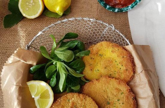 questa foto rappresenta le cotolette di sedano rapa ricetta di pasticciandoconlafranca