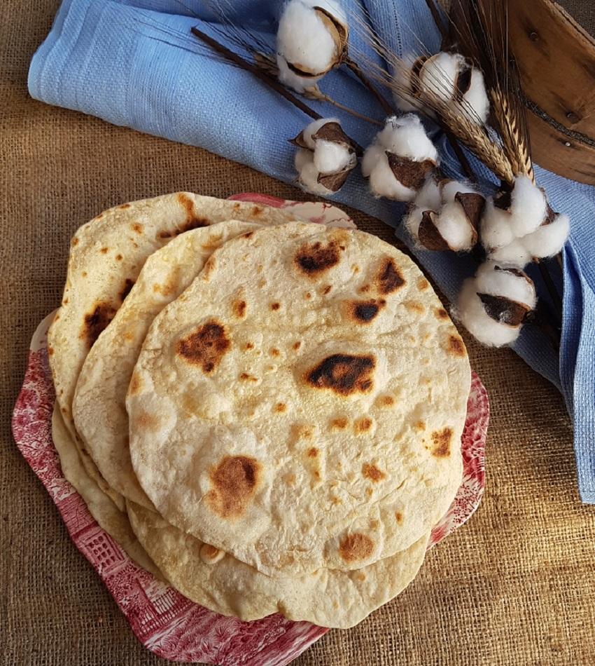 questa immagine rappresenta pane chapati ricetta di pasticciandoconlafranca