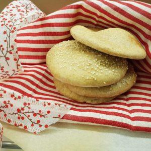 questa immagine rappresenta pane pita al farro ricetta di pasticciandoconlafranca