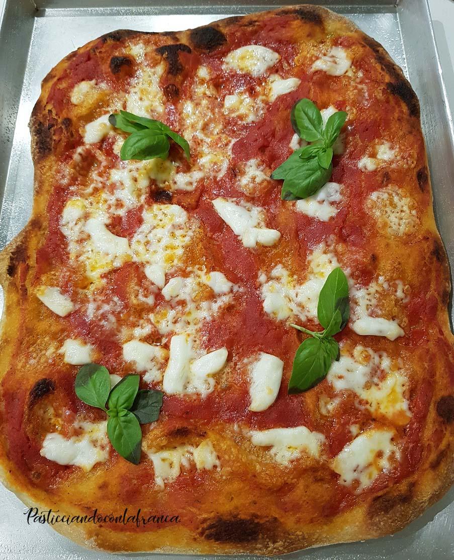 questa foto rappresenta pizza margherita Napoli a casa vostra ricetta di pasticciandoconlafranca
