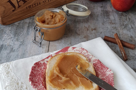 questa immagine rappresentaburro di mele ricetta di pasticciandoconlafranca
