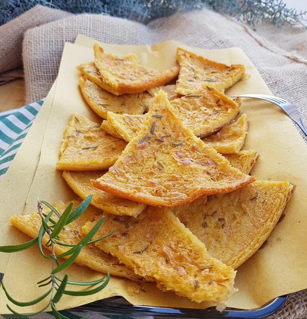 questa immagine rappresenta farinata di ceci ricetta di pasticciandoconlafranca