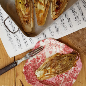 questa immagine rappresenta l' indivia belga in forno ricetta di pasticciandoconlafranca