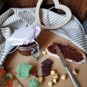 questa foto rappresenta la nutella vegan fatta in casa ricetta di pasticciandoconlafranca