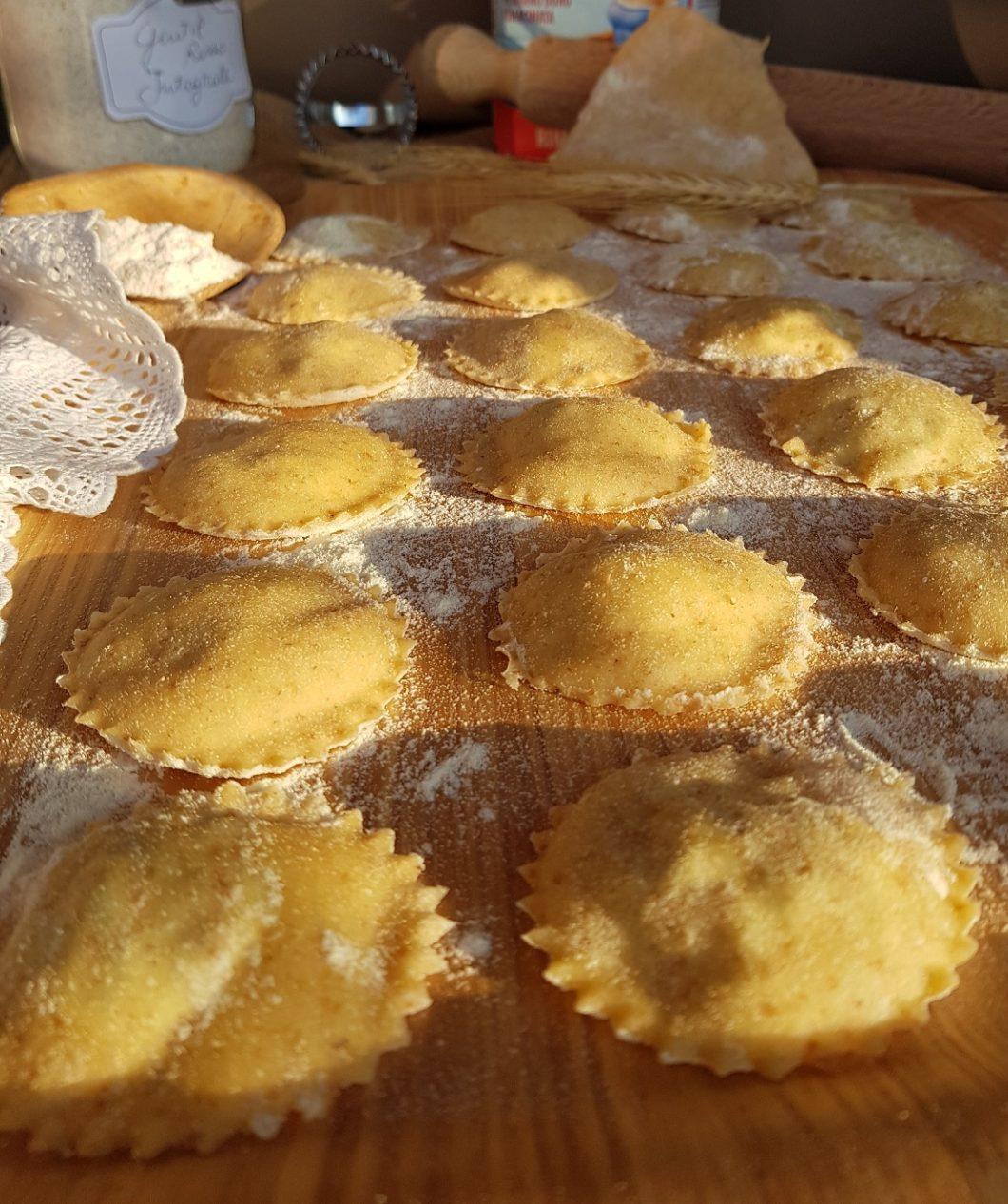 questa foto rappresenta i ravioli gluten free ricotta e spinaci ricetta di pasticciandoconlafranca