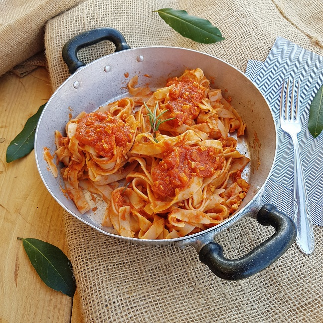 questa immagine rappresenta il Ragù di tempeh ricetta di pasticciandoconlafranca