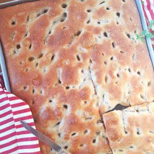 questa immagine rappresenta focaccia genovese ricetta originale di voltri pasticciandoconlafranca
