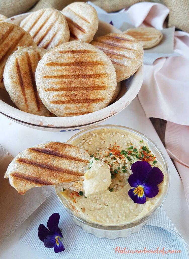 questa immagine rappresenta hummus di ceci perfetto ricetta di pasticciandoconlafranca
