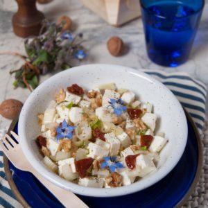 questa immagine rappresenta insalata di tofu con sedano e noci ricetta di pasticciandoconlafranca