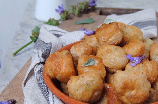 frittelle alla salvia e zucchine ricetta di pasticciandoconlafranca