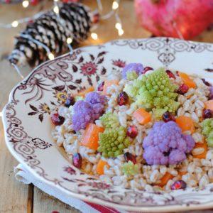 questa immagine rappresenta farro con carote broccoli e melagrana ricetta di pasticciandoconalafranca