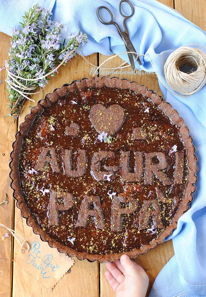questa immagine rappresenta crostata con cacao e crema di mandorle ricetta di pasticciandoconlafranca