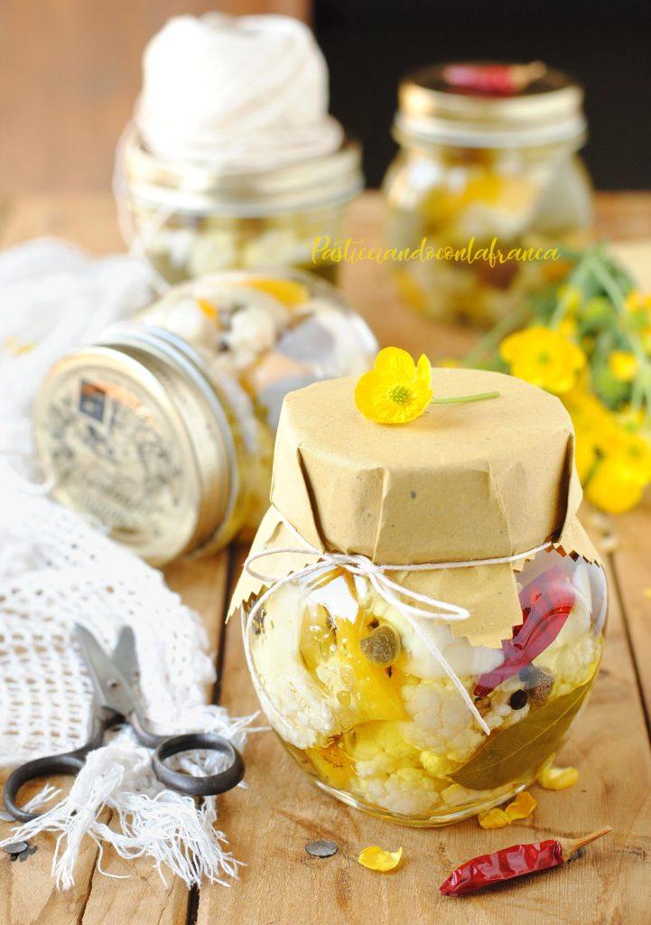 questa immagine rappresenta la insalata di rinforzo sott'olio ricetta di pasticciandoconlafranca