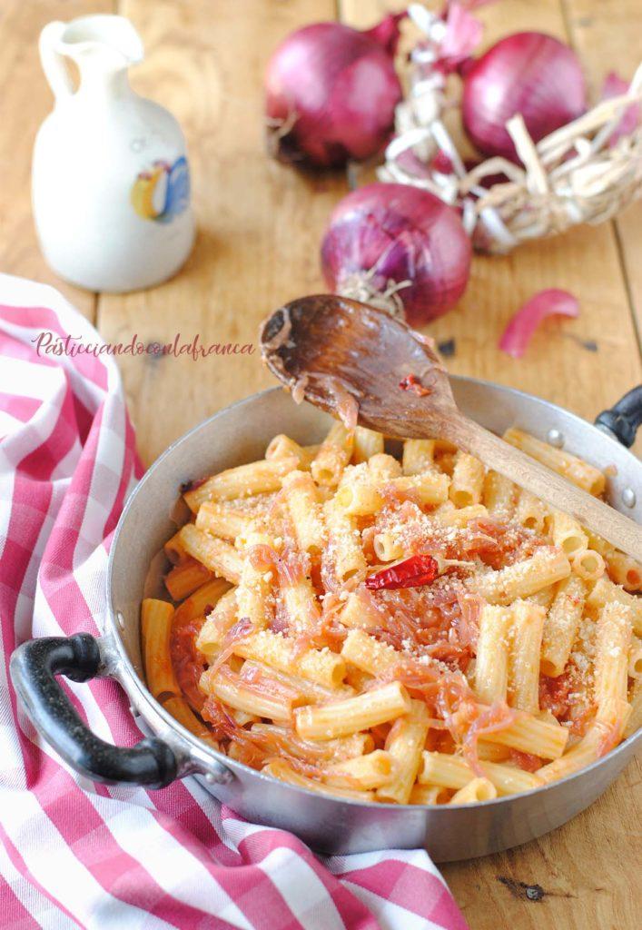 questa immagine rappresenta ziti alla finta genovese ricetta di pasticciandoconlafranca