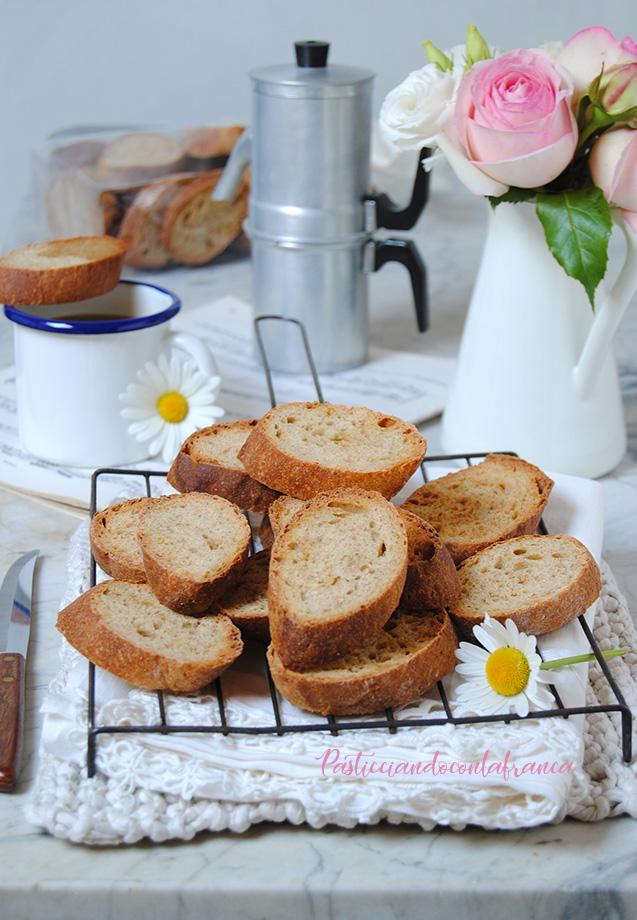 questa immagine rappresenta biscotti lagaccio ricetta originale pasticciandoconlafranca