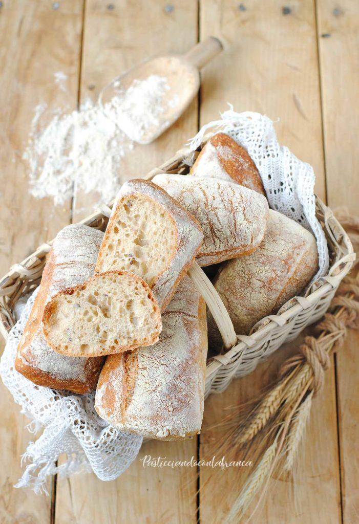 questa immagine rappresenta ciabatte ai cereali facili facili ricetta di pasticciandooconlafranca