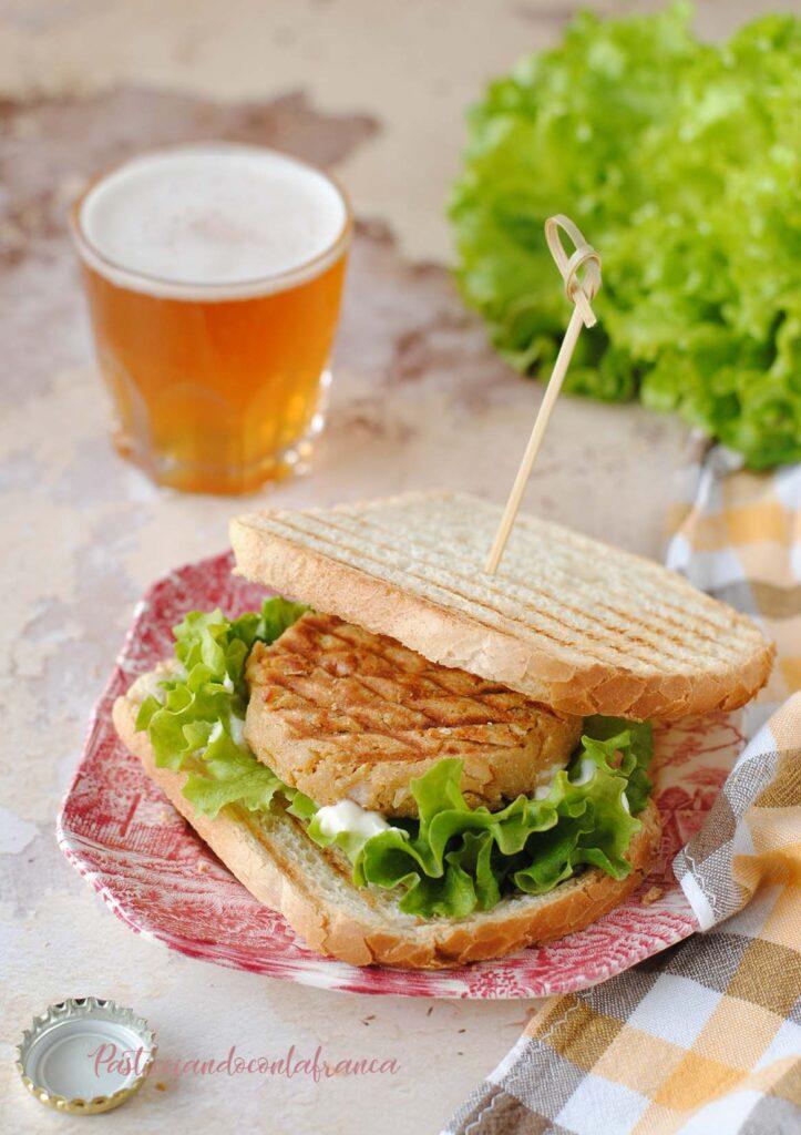 questa immagine rappresenta burger vegetali fatti in casa ricetta di pasticciandoconlafranca