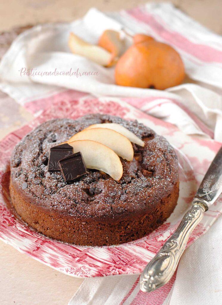 questa immagine rappresenta torta pere e cioccolato vegana ricetta di pasticciandoconlafranca