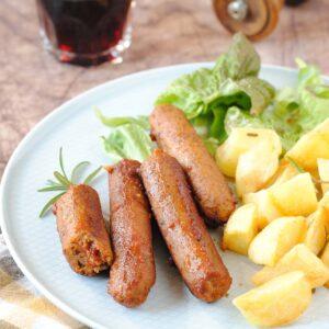 questa immagine rappresenta salsiccette vegane ricetta di pasticciandoconlafranca