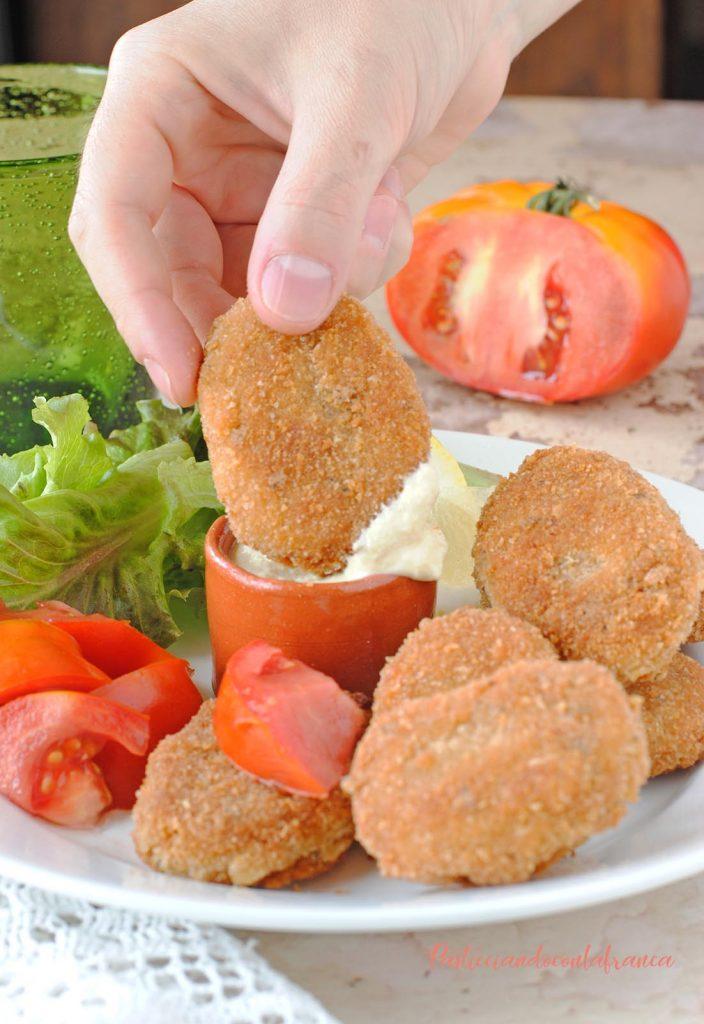 questa immagine rappresenta nuggets vegetali ricetta di pasticciandoconlafranca